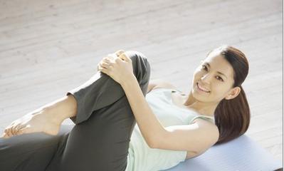 床上瑜伽减肥动作 助眠又修身