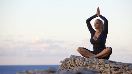 8招瘦身瑜伽 轻盈一整夏