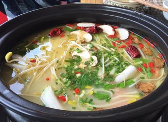 汤锅加盟店如何降低员工工作的不稳定性呢?