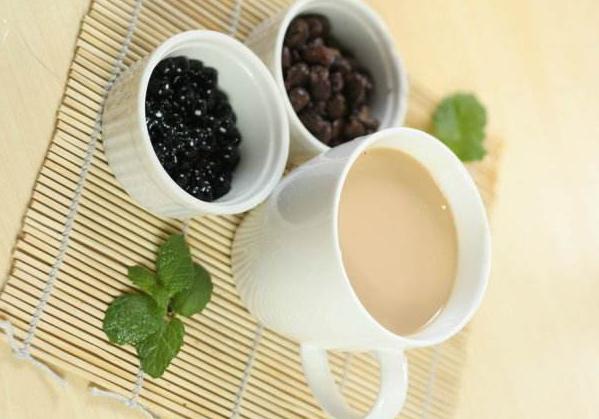开奶茶店是加盟好还是自己做好?